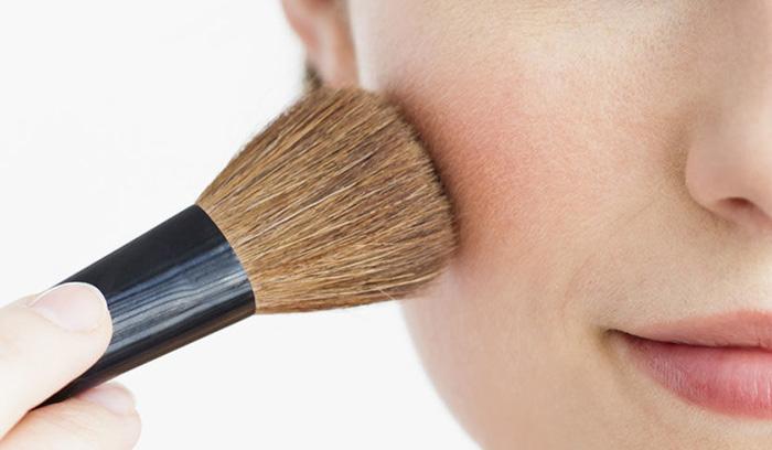 بهترین آرایش پوست گندمی