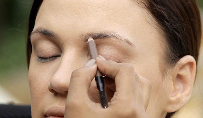 خطاهای رایج در آرایش ابروها با مداد