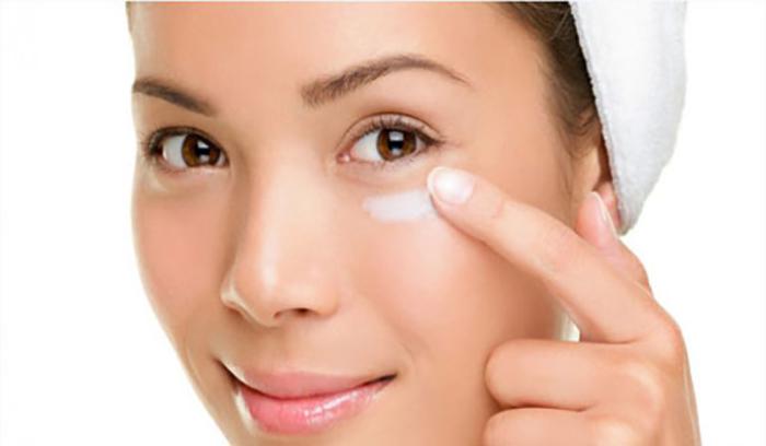 ماسک نعناع و عسل برای درمان سیاهی و لکه های دور چشم