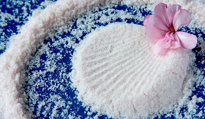 مهم ترین فواید نمک دریایی برای زیبایی