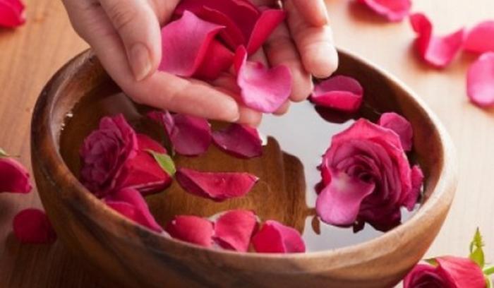 مهم ترین خواص ماسک گلاب برای پوست