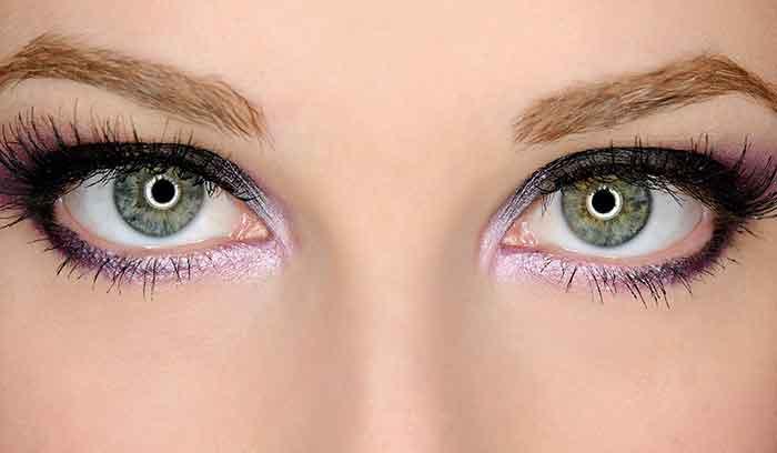 آموزش آرایش چشم سبز با پوست سفید