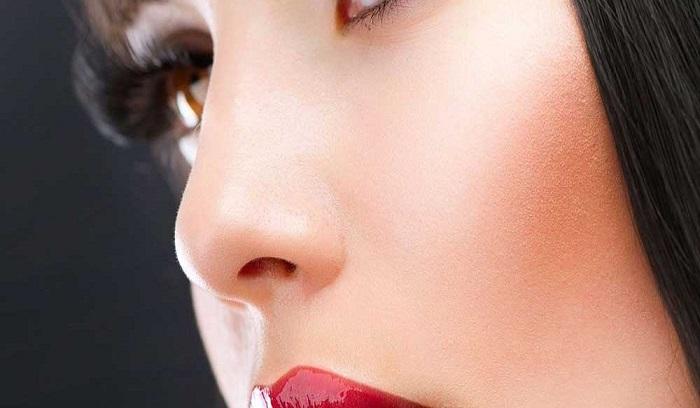 بهترین روش کوچک کردن صورت با آرایش