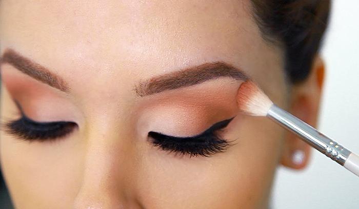 اشتباهات آرایشی سایه چشم