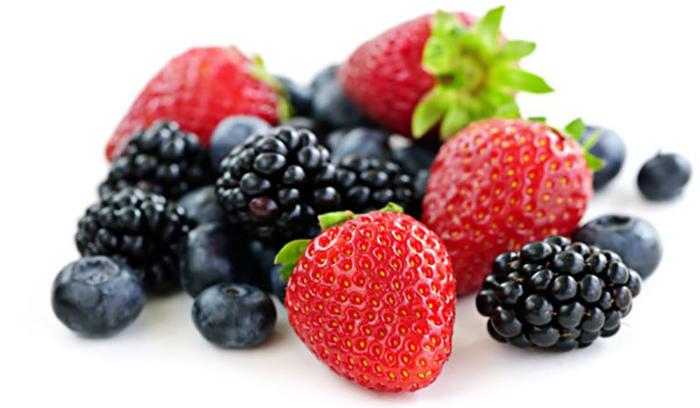 ماسک انگور و توت فرنگی