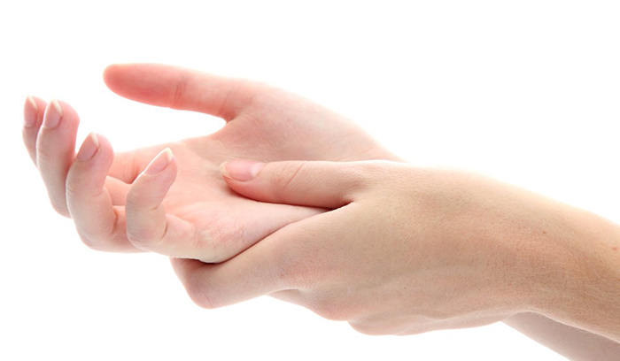 کرم روشن کننده پوست دست و پا